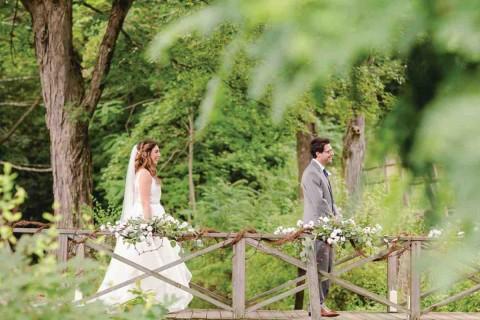 Rustic_Wedding_First_Glance