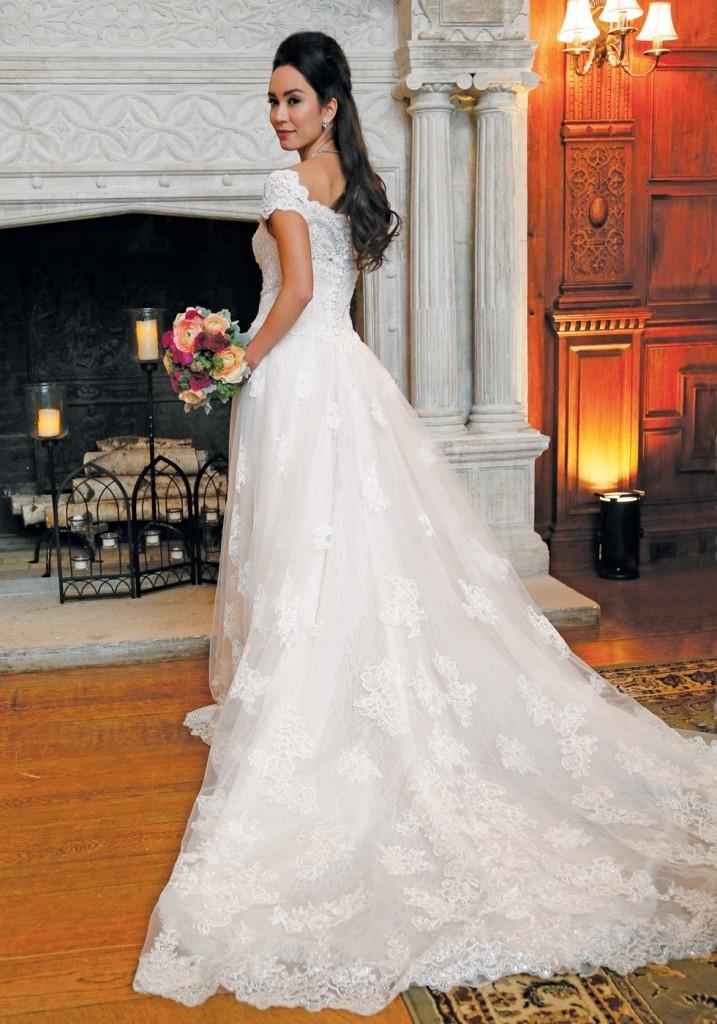 A Fresh Take on Bridal Fashion at Skylands Manor