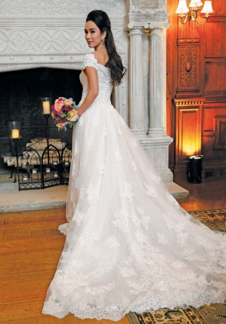 A Fresh Take on Bridal Fashion at Skylands Manor