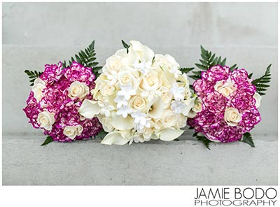 bride bridesmaid bouquet
