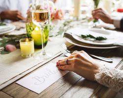 029-elegant-bride-rustic-table-wedding-reception
