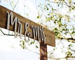 040-rustic-mr-mrs-sign-wedding-venue-new-jersey
