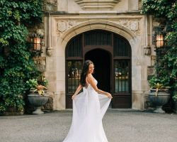 05-bride-in-front-of-castle