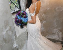 11-bride-in-wedding-dress-in-spiral-staircase