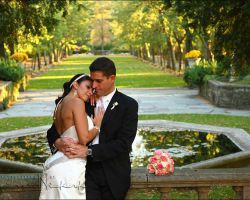 25-skylands-castle-gardens-reflecting-pond-bride-groom-wedding-bouquet
