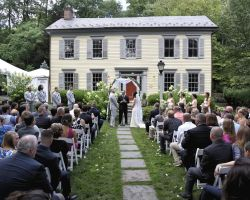 beautiful-rustic-outdoor-ceremony-wedding-aisle