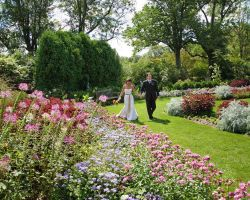 bride-groom-garden-walk