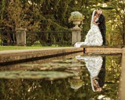 bride-groom-kiss-pond