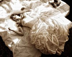 bride-on-bed