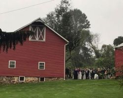 red-barn-wedding-ceremony-venue