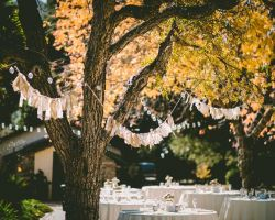 rustic-outdoor-wedding-reception-cocktail-hour