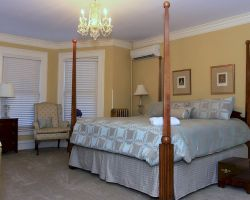 the-debary-inn-interior-guest-room-suite-wedding-victorian