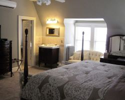 the-debary-inn-victorian-guest-room-suite-wedding